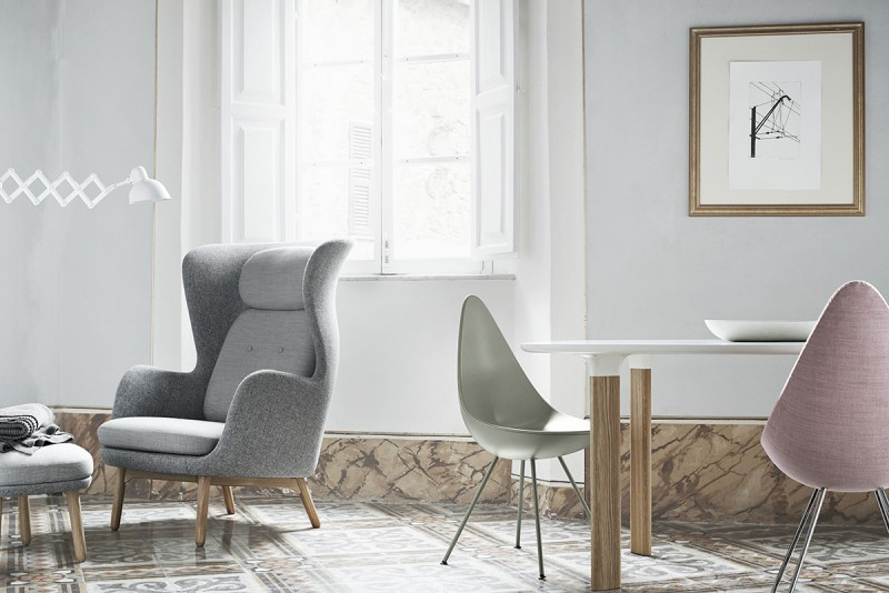 Analog Table for Fritz Hansen 2