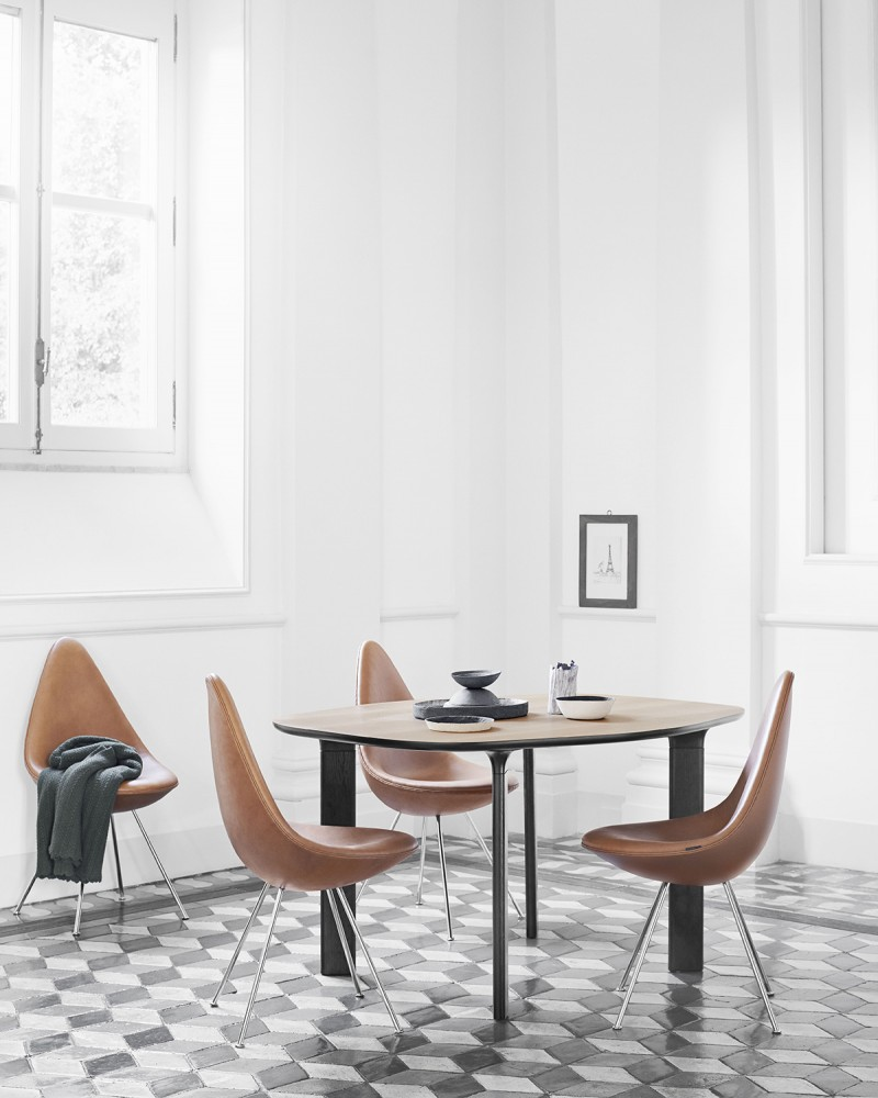 Analog Table for Fritz Hansen 5