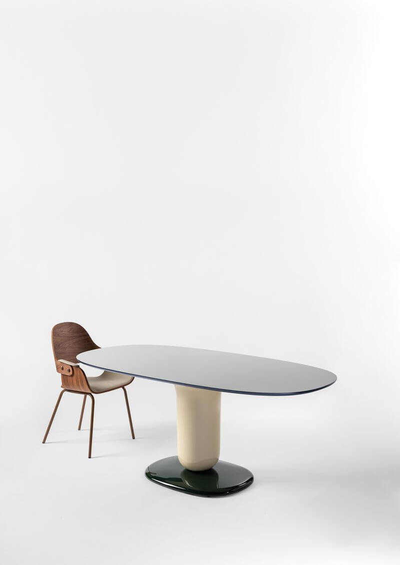 EXPLORER DINING TABLE